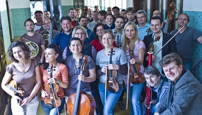 Radek Baborák a Česká Sinfonietta (foto baborak.com)