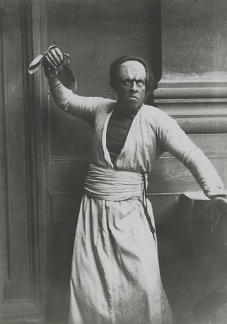 L. Delibes: Lakmé - Václav Novák (Nilakantha) - ND Praha 1919 (foto archiv ND Praha)