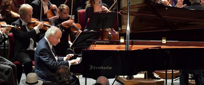 András Schiff v Royal Albert Hall v Londýně (foto archiv autora)