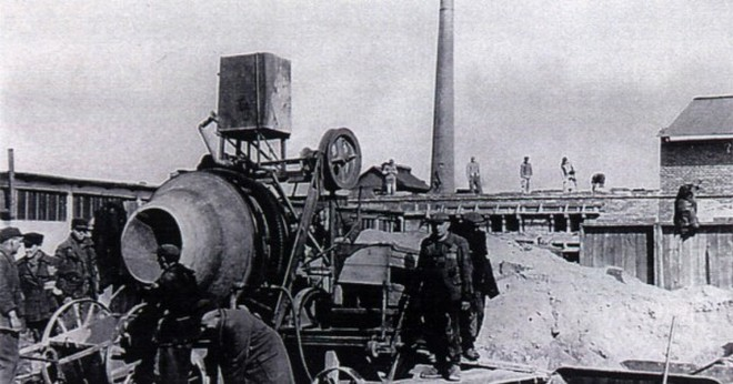 Stavba tábora v Brněnci - 1944 (zdroj muzeum.svitavy.cz)
