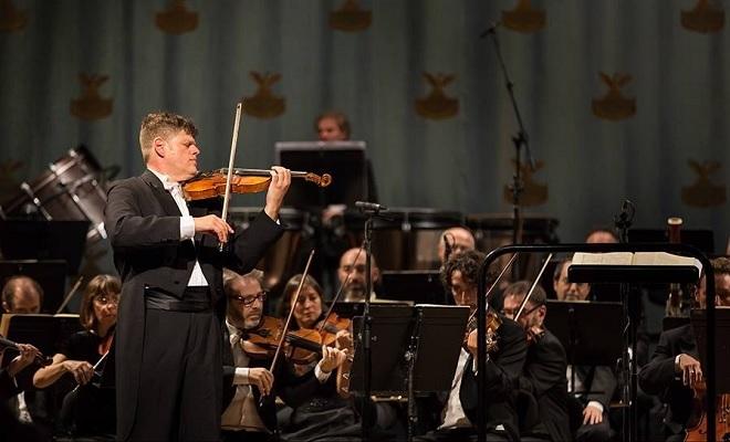 Zahajovací koncert Orchestra Filarmonica della Fenice 2016 - Guy Braunstein, Orchestra Filarmonica della Fenice - 12.9.2016 Benátky (foto © Walter Garosi)