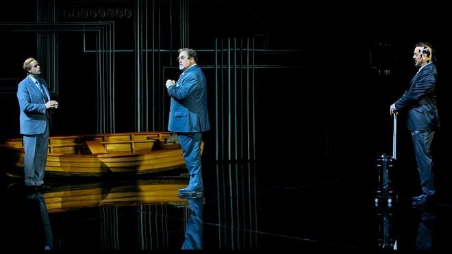 Richard Wagner: Der fliegende Holländer – Benjamin Bruns (Steuermann), Peter Rose (Daland), Thomas J. Mayer (Holländer) - Bayreuther Festspiele 2016 (foto Enrico Nawrath)