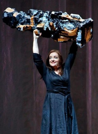Richard Wagner: Der fliegende Holländer - Ricarda Merbeth (Senta) - Bayreuther Festspiele 2016 (foto Enrico Merbeth)