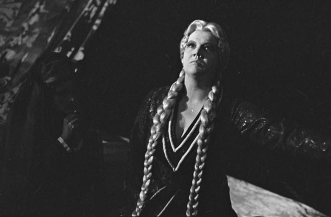 Richard Wagner: Tristan a Isolda - Jarmila Krásová (Isolda) - Státní divadlo Zdeňka Nejedlého Ústí nad Labem 1972 (foto © Jaromír Svoboda/Divadelní ústav)