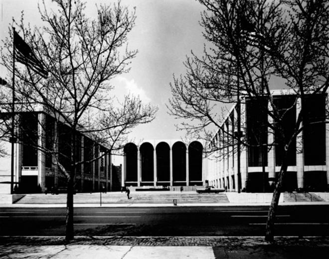 Lincolnovo centrum v New Yorku - květen 1966 (zdroj lincolncenter.tumblr.com)