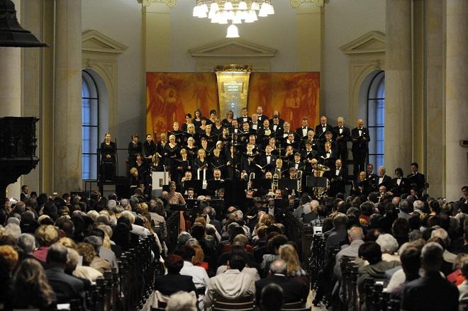Závěrečný koncert - Filharmonie Brno, Pražský filharmonický sbor - Svatováclavský hudební festival 2016 (foto Ivan Korč)