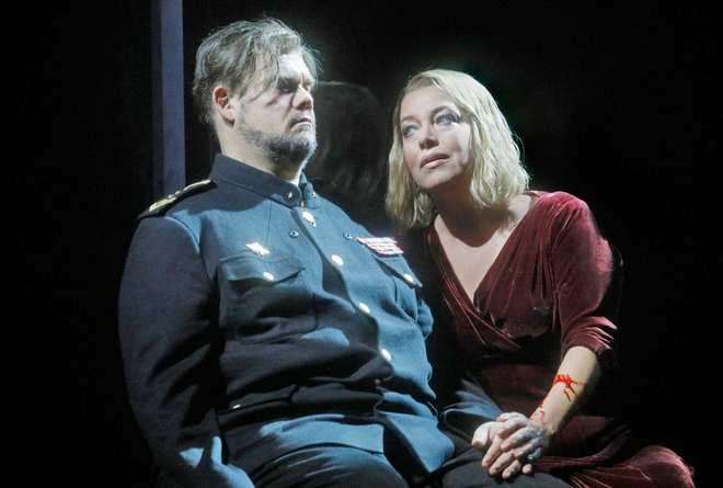 R. Wagner: Tristan und Isolde - Stuart Skelton (Tristan) a Nina Stemme (Isolde) - Met 2017 (foto Ken Howard)