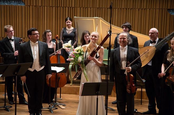 Koncert v Sále Pražské konzervatoře - Václav Hudeček, Denisa Beňovská, orchestr Pražské konzervatoře, Jakub Kydlíček