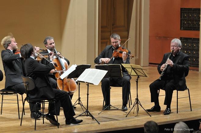 ČSKH - Zemlinsky Quartet, Michael Collins - Praha 10.10.2016 (foto © Zdeněk Chrapek)