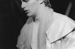 Giuseppe Verdi: Rigoletto - Jozef Kundlák (Vojvoda) - SND Bratislava 1987 (foto Jozef Vavro)