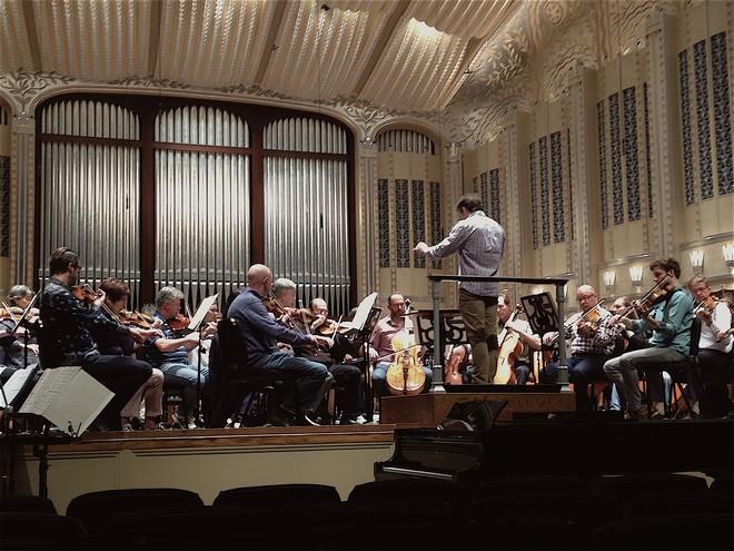 Jakub Hrůša na generální zkoušce s Cleveland Orchestra (foto archiv autora)