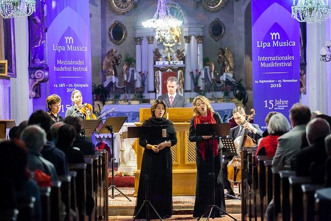 Adam Michna z Otradovic: Loutna česká - Gabriela Eibenová, Daniela Čermáková, Adam Viktora, Ensemble Inégal - Lípa Musica 2016 (foto Lukáš Pelech Atelier)