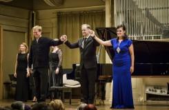 Písně v operním balení