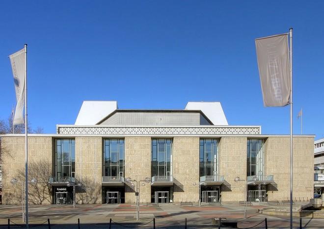 Oper Köln (zdroj commons.wikimedia.org/Raimond Spekking)