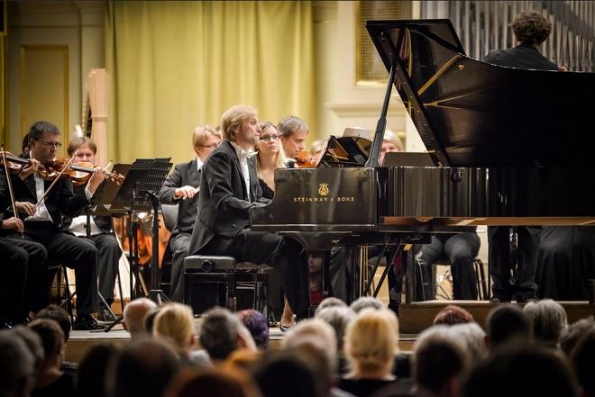 PKF – Prague Philharmonia, Ivo Kahánek, Tomáš Brauner - Janáček Brno 2016 (foto © Janáčkova opera NdB / Marek Olbrzymek)