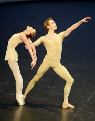Pieseň o zemi - choreografia Kenneth MacMillan - Roman Novitzky a Anna Osadcenko (foto © Stuttgarter Ballett)
