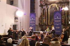 Vilém Veverka a Ensemble 18+ s lehkostí a sympatiemi