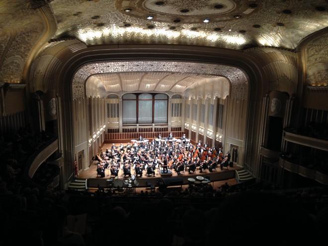 Jakub Hrůša a Cleveland Orchestra v Severance Hall v Clevelandu (foto archiv autora)