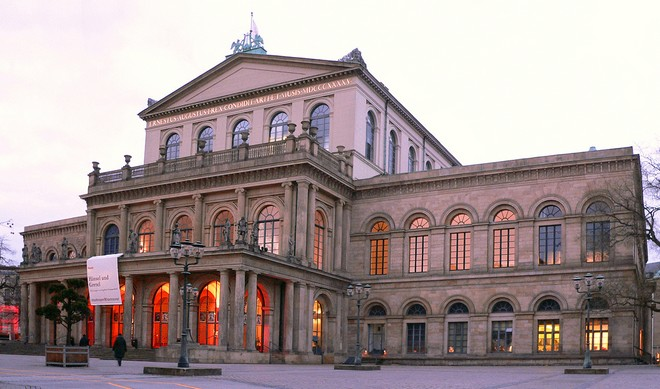 Staatstheater Hannover (zdroj commons.wikimedia.org/Axel Hindemith)