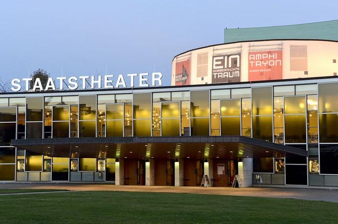 Staatstheater Kassel (zdroj commons.wikimedia.org/N. Klinger)