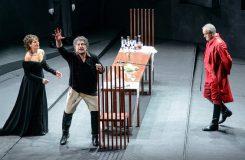 Tosca s José Curou v drážďanské Semperově opeře