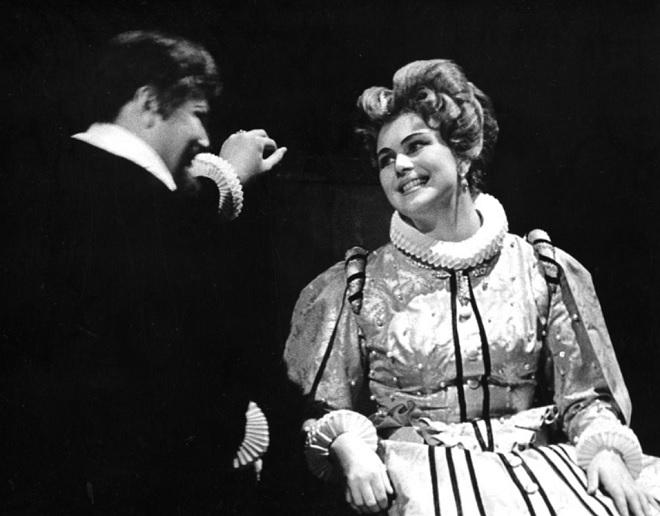 J. Pauer: Zuzana Vojířová - Karel Křemeňák (Petr Vok), Marcela Machotková (Zuzana Vojířová) - DJKT Plzeň 1965 (foto © Věra Caltová)