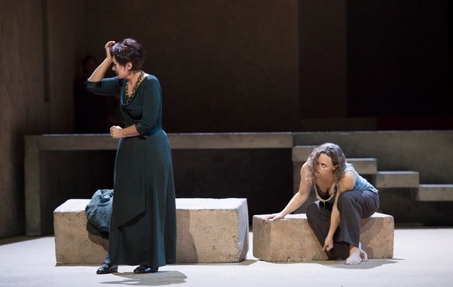 Richard Strauss: Elektra - Staatsoper im Schiller Theater Berlín 2016 (foto FB Staatsoper im Schiller Theater Berlín/Monika Rittershaus)