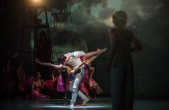 Malá mořská víla má v Baletu ND svoji původní premiéru. Podívejte se na videoreportáž