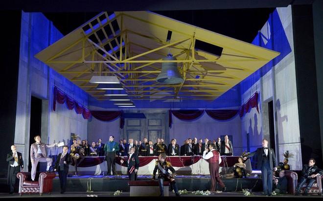 Giacomo Meyerbeer: Die Hugenotten - Deutsche Oper Berlin 2016 (foto © Bettina Stöss/FB Deutsche Oper Berlin)