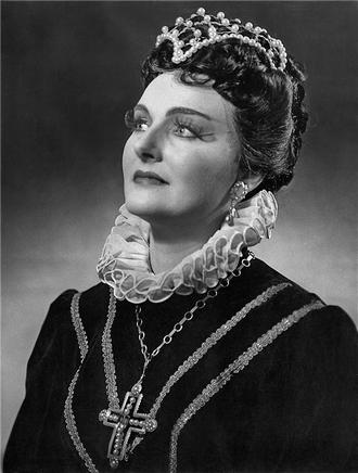 G. Verdi: Don Carlos - Eva Hlobilová (Eboli) - ND Praha 1960 (foto archiv ND/Jaromír Svoboda)