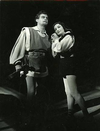 B. Smetana: Dalibor - Dr. Gustáv Papp (Dalibor), Margita Česányiová (Milada) - SND Bratislava 1957 (foto archiv SND / Gejza Podhorský)