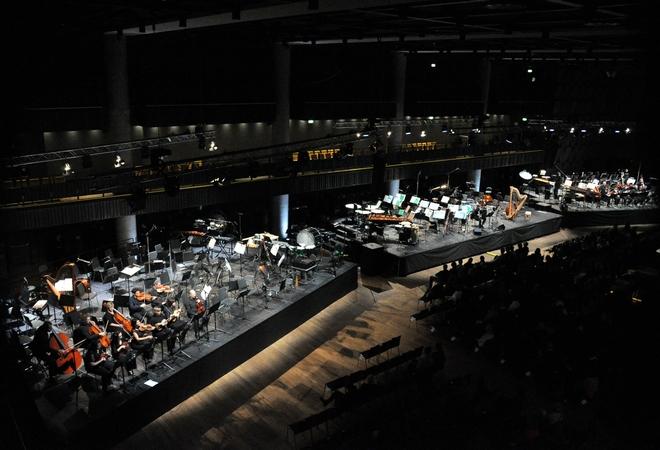 Hudba pro tři orchestry - Forum Praha 19.11.2016 (foto Zdeněk Chrapek)