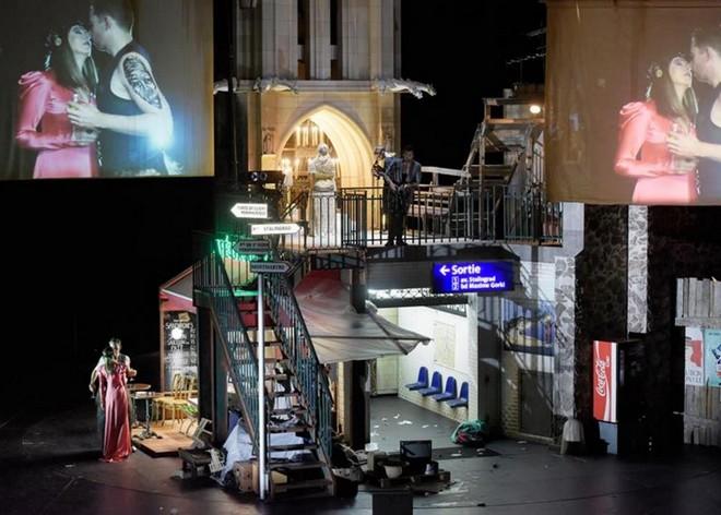 Charles Gounod: Faust - Oper Stuttgart 2016 (foto Thomas Aurin/Oper Stuttgart)