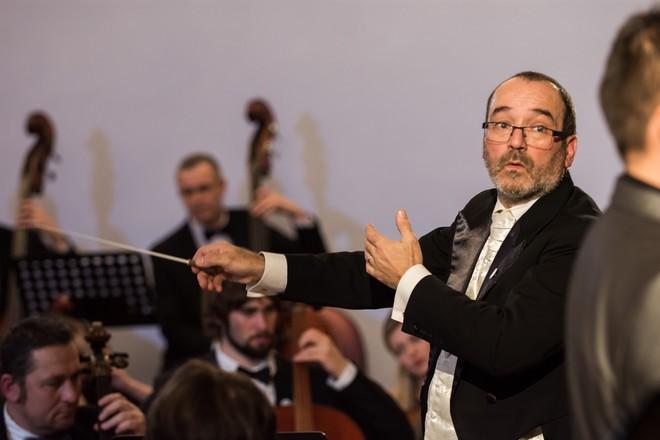 Graziano Sanvito – Podkrkonošský symfonický orchestr - Zámek Lomnice nad Popelkou 2016 (foto Jan Žalský)