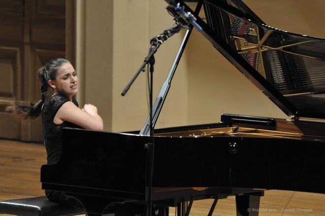 Klavírní festival Rudolfa Firkušného - Olga Scheps - Dvořákova síň Rudolfina Praha 24. 11. 2016 (foto © Pražské jaro – Zdeněk Chrapek)