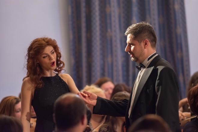 Marie Fajtová, Jaroslav Patočka a Podkrkonošský symfonický orchestr – Zámek Lomnice nad Popelkou 2016 (foto Jan Žalský)