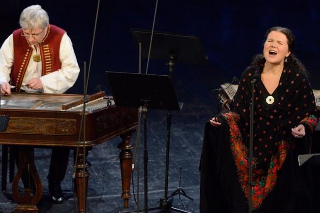 Písňové studánky Leoše Janáčka - Ludmila Vašková a Ensemble Flair - Musica Pura 2016 (foto Ivan Korč)