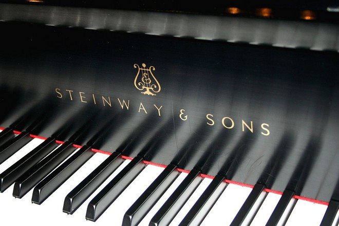 Steinway & Sons piano - ilustrační foto (zdroj commons.wikimedia.org/Alan Levine)
