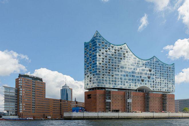 Elbphilharmonie Hamburg (zdroj commons.wikimedia.org/Henry Kellner)