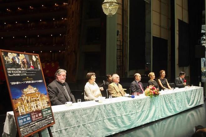 Vídeňská státní opera na turné v Japonsku (foto archiv autora)