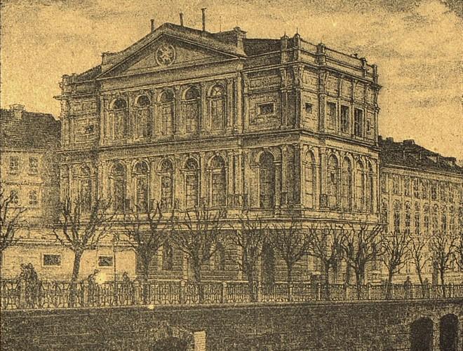 Prozatímní divadlo (zdroj theatre-architecture.eu)