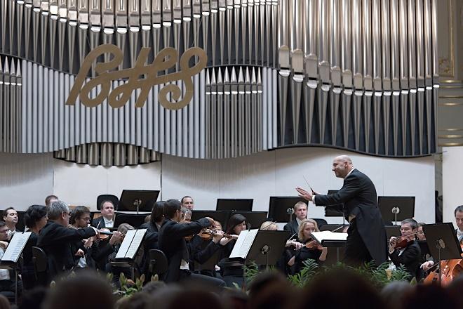 Emmanuel Villaume, PKF-Prague Philharmonia - BHS 1.12.2016 (foto © Jan F. Lukáš)