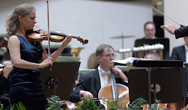 Julia Fischer, Drážďanská filharmónia - BHS 3.12.2016 (foto @ Jan F. Lukáš)