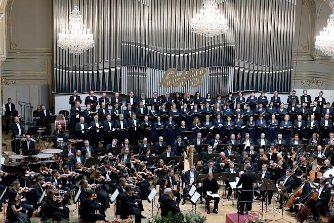 Záverečný koncert - James Conlon, Slovenská filharmónia, Slovenský filharmonický zbor, Bratislavský chlapčenský zbor - BHS 4.12.2016 (foto @ Jan. F. Lukáš)