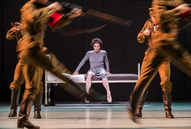 Anastasia - choreografia Kenneth MacMillan - Natalia Osipova (Anna Anderson) - The Royal Ballet 2016 (foto © 2016 ROH/Tristram Kenton)