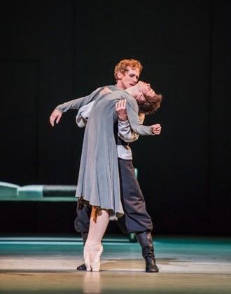 Anastasia - choreografia Kenneth MacMillan - Natalia Osipova (Anna Anderson) a Edward Watson (Husband) - The Royal Ballet 2016 (foto © 2016 ROH/Tristram Kenton)