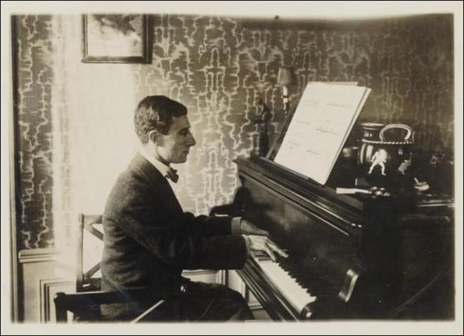 Maurice Ravel - 1912 (zdroj commons.wikimedia.org/Bibliothèque nationale de France)