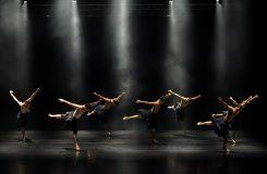Dva světy / jeden svět. Zápisky z večera vpravdě světových choreografií v Ostravě