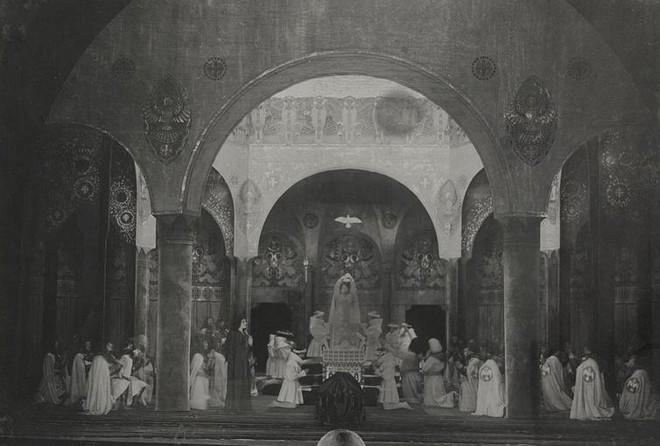 Richard Wagner: Parsifal - návrh scény Josef Wenig - ND Praha 1914 (foto archiv ND Praha)