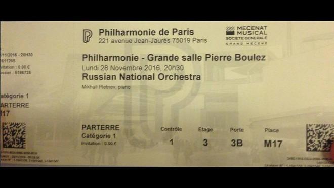 Vstupenka na koncert Ruského národního orchestru s Gennadijem Rožděstvenskijem v Paříži (foto archiv autora)